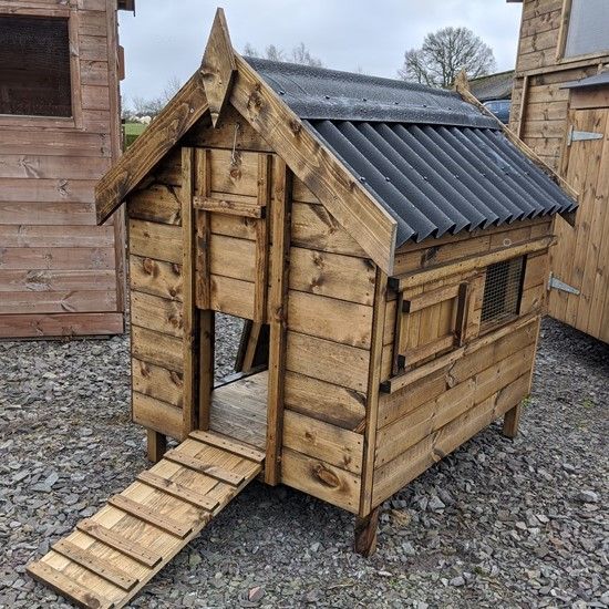 Handcrafted British Duck Houses, Custom built service