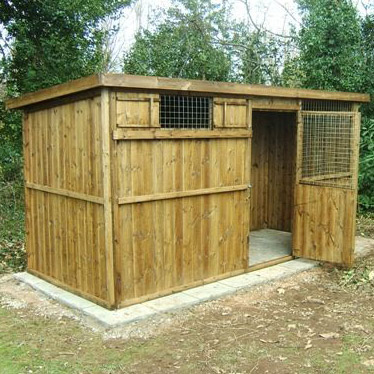 Goat House and shelter for 3 - 5 goats