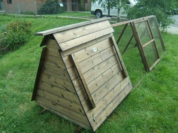 Duck ark size b smiths sectional buildings for Duck house size
